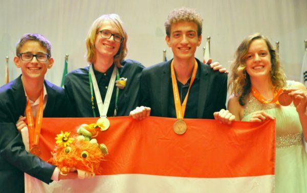 V.l.n.r. Niels Appelman (brons), Gosse Sjoerd Bootsma (zilver), Ilija Milutin (brons), Marieke  Smit (brons)